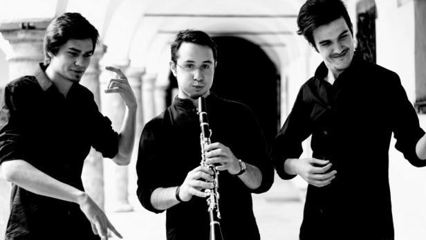 moritz-weiss-klezmer-trio1julian-koch-1280x520.jpg