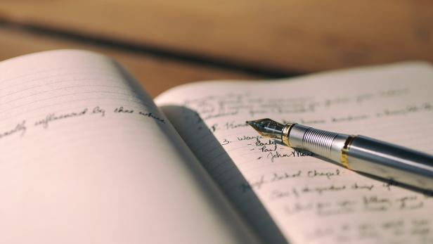 notebook-1840276-960-720.jpg