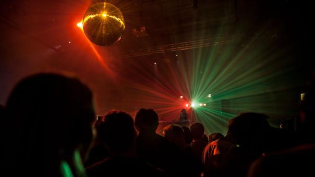 2014-presse-danceweb-party-02-c-karolinamiernik-2.jpg