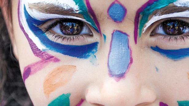 makeup-1909386-630x420.jpg