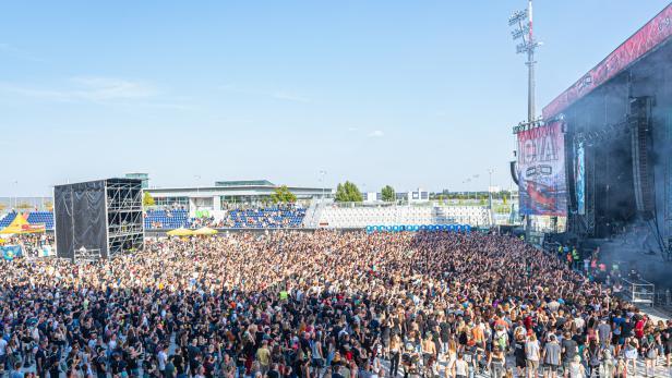 Rund 15.000 Musikfans feierten in Wiener Neustadt.